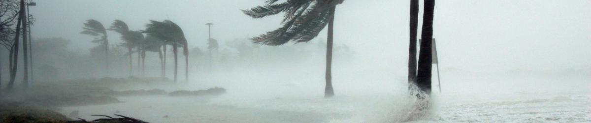 hurricane-making-landfall-at-key-west.jpg (3008×2000) - Google Chrome 2019-03-25 19.10.49